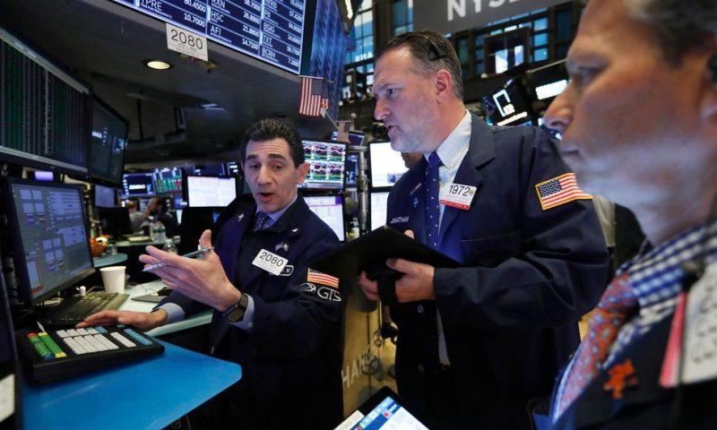 Asian Stocks Sink After Wall Street Declines