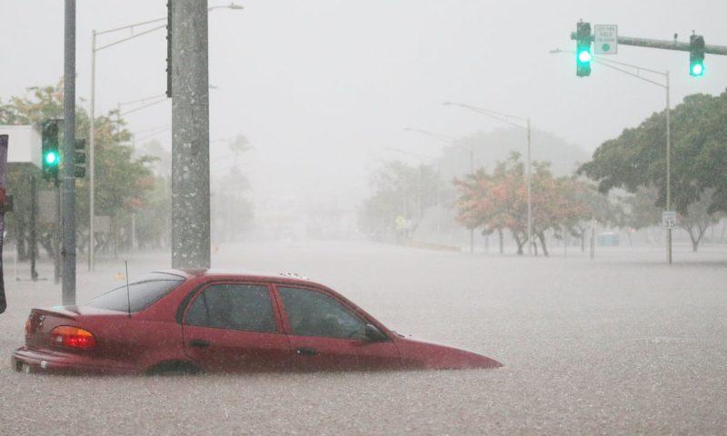World weatherwatch: Hurricane Lane brings severe flooding to Hawaii