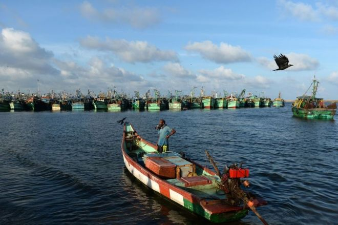 The India fishermen using cheap smartphones to map the coast