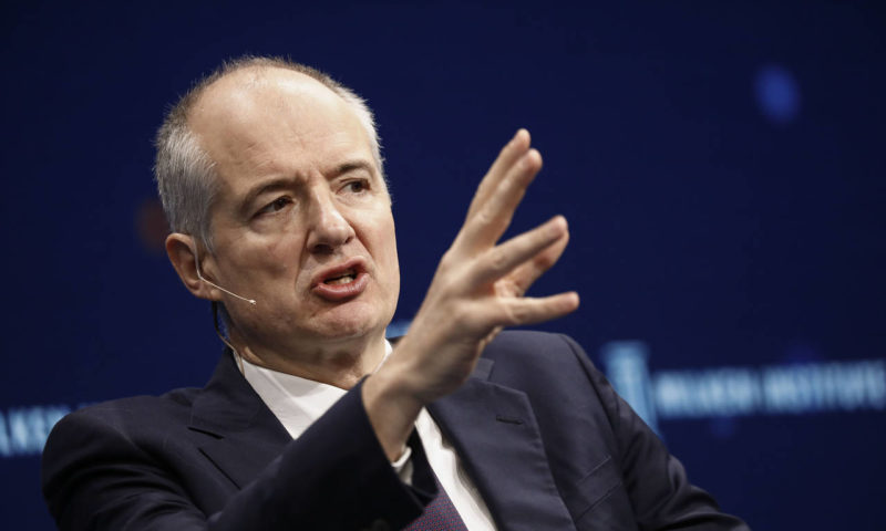 Pimco to stay away from equities and passive management