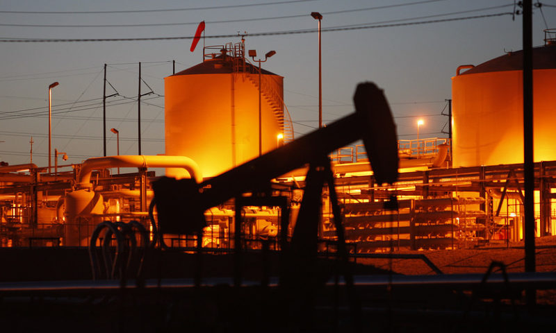Oil posts a modest loss on U.S.-China trade worries