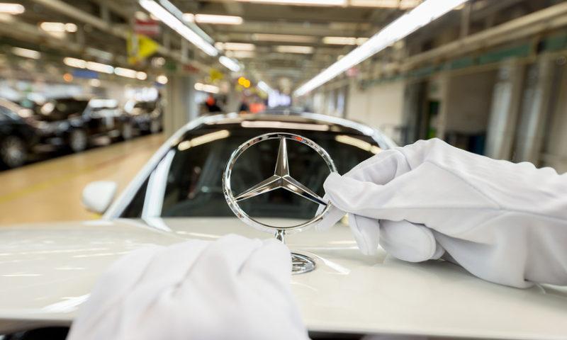 Daimler CEO Zetsche stepping down; shares fall