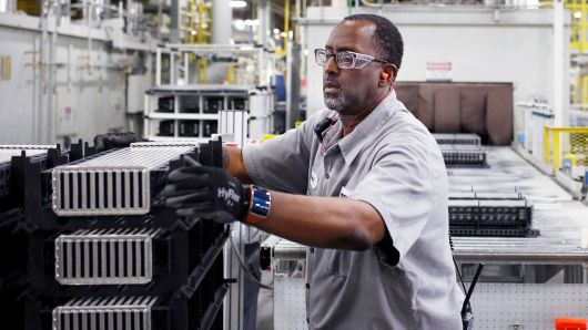 US factory activity races to 14-year high in Aug; construction spending rises slightly in July