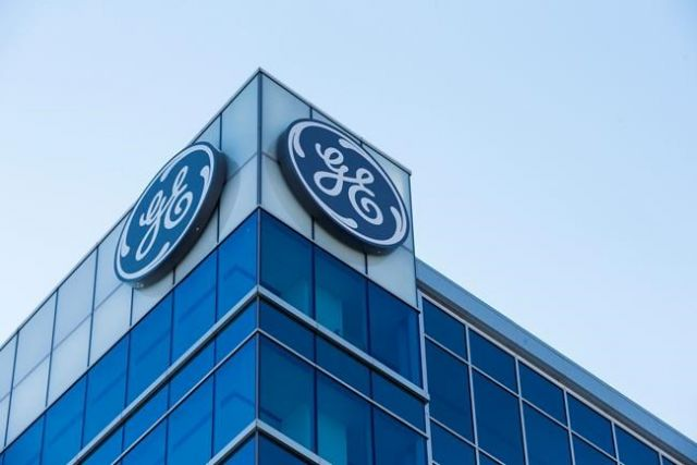 GE ousts its CEO