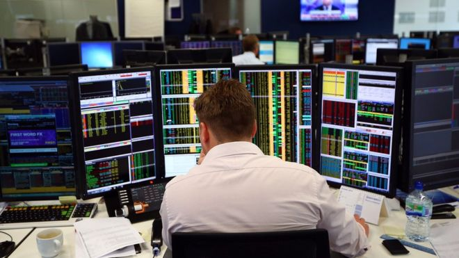 UK shares remain fragile amid Brexit turmoil