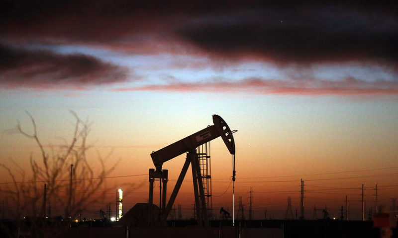 Oil prices churn as U.S. inventory climb expected
