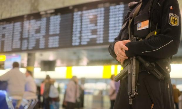 Hanover airport: flights halted because of car on runway