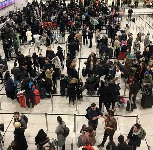 London airport back open