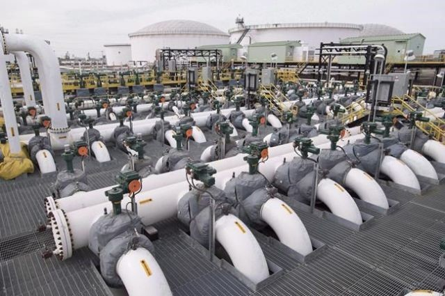 Overflowing oil production