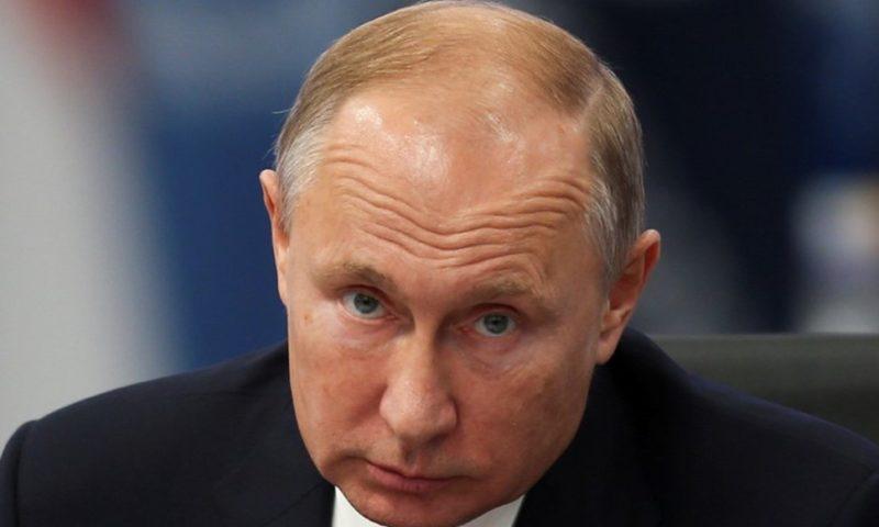 Merkel, Macron Press Putin to Free Ukrainian Sailors