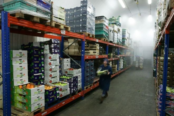 No-deal Brexit 'to leave shelves empty' warn retailers