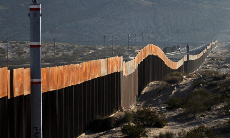 Donors to border wall GoFundMe campaign will receive refunds