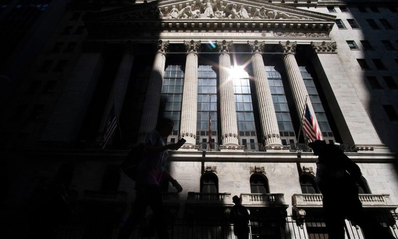 Stocks rally to close higher on earnings as deal reached to end government shutdown