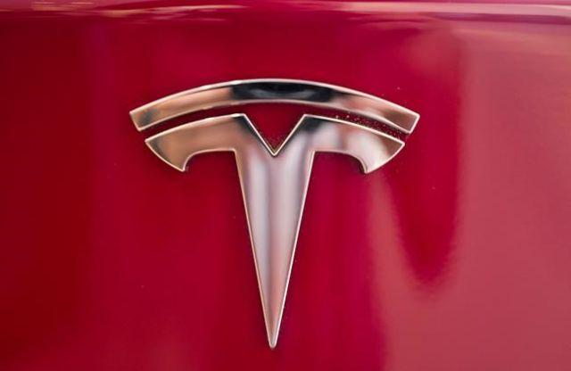 Parents sue Tesla for crash