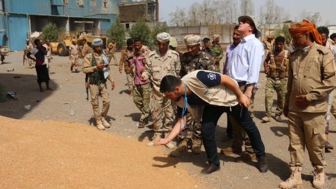 Yemen crisis: UN gains access to vital Hudaydah grain store