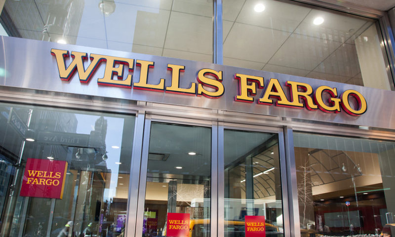 Some Wells Fargo ATMs, online banking down after data-center problem