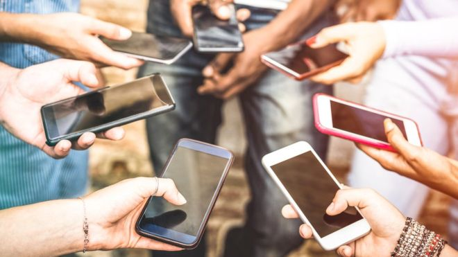 Canada province to ban mobile phones in public classrooms