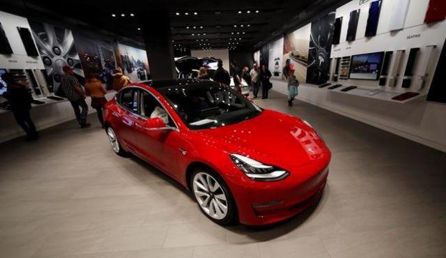 Tesla closing all stores
