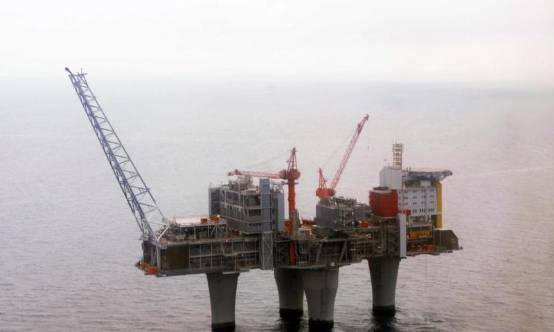 Norway's $1 Trillion Fund to Dump Oil and Gas Shares