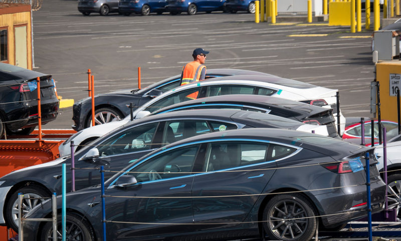 Tesla delivers fewer vehicles than expected in first quarter