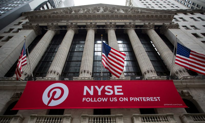 Pinterest prices IPO at $19 a share, valuation tops $10 billion