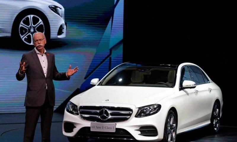 Global Auto Slowdown Drags Down Mercedes-Benz Maker