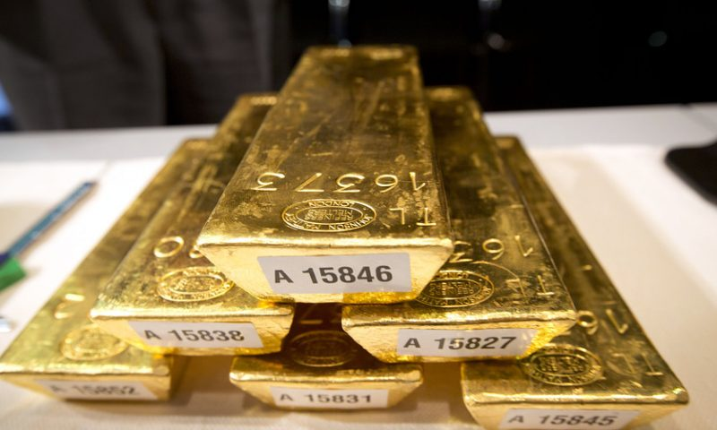 Gold claims 6-year high as trade worries deepen