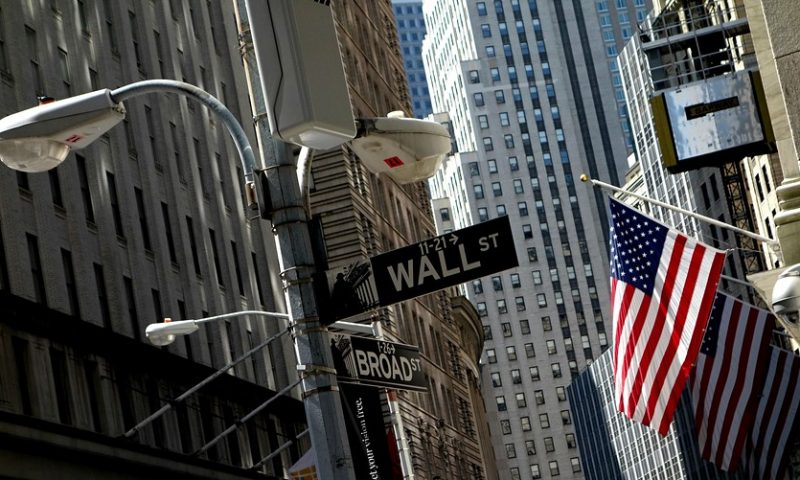Dow logs longest win streak in 8 weeks but other indexes slip as tariff, growth woes linger