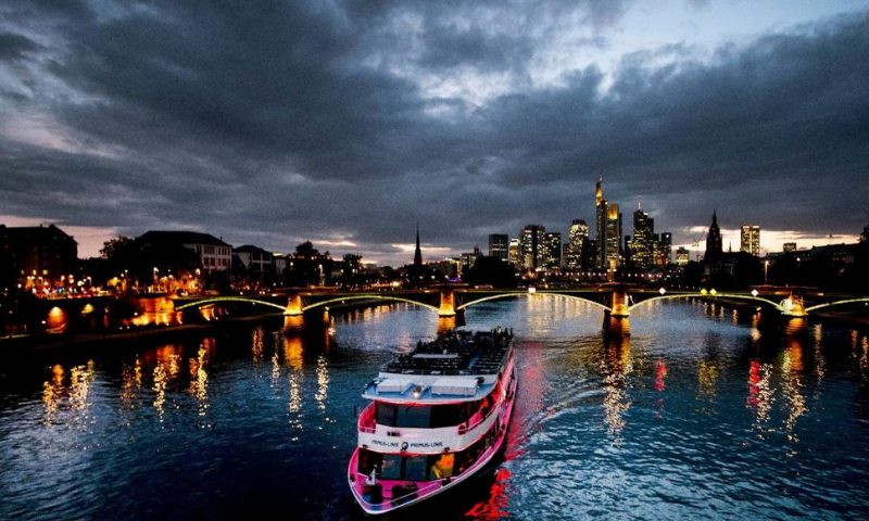 German Forecasters Cut 2019 Growth Outlook to 0.5%