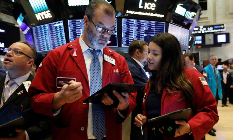 US Stocks Close Broadly Higher, Led by Tech Companies, Banks