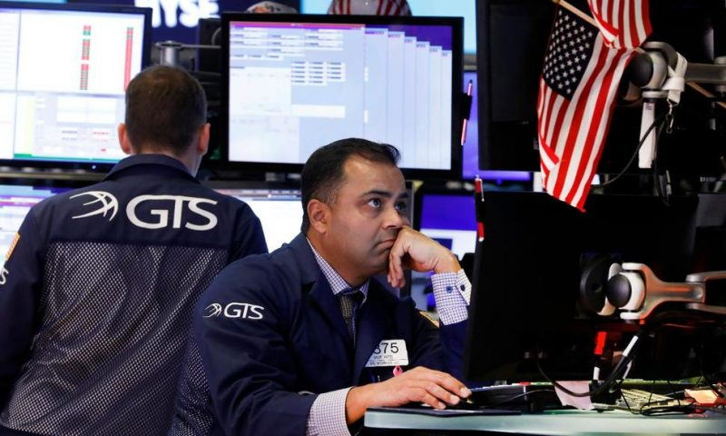 Stocks Rise on Trade Progress, S&P 500 Notches Weekly Gain