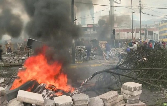 Ecuador protests: President imposes curfew amid worsening violence