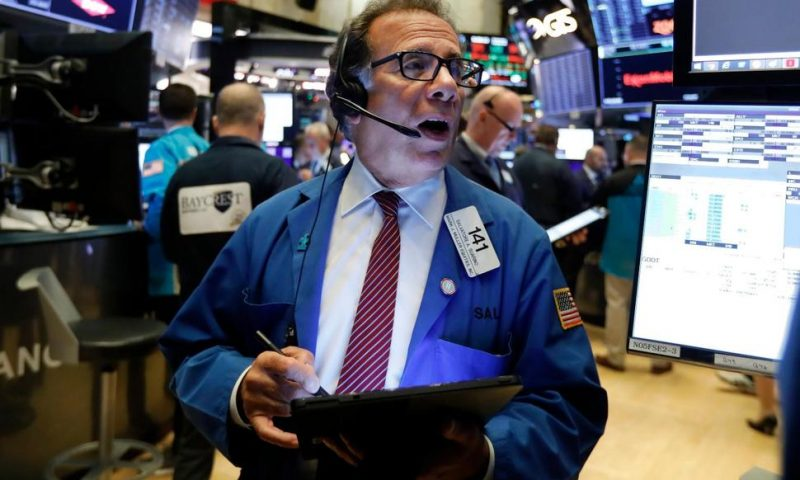 US Stock Indexes Hit Pause, Hold Close to Record Levels