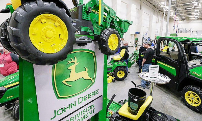 Equities Analysts Issue Forecasts for Deere & Company's Q1 2020 Earnings (NYSE:DE)