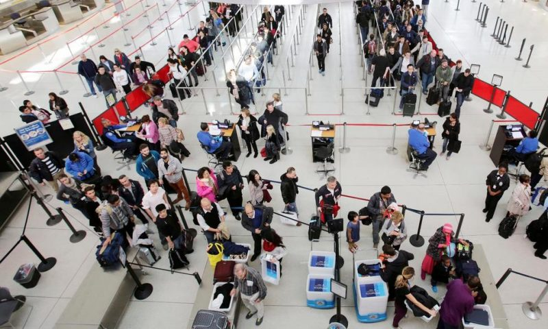 Airline Trade Group Predicts Christmas Travel Will Rise 3%