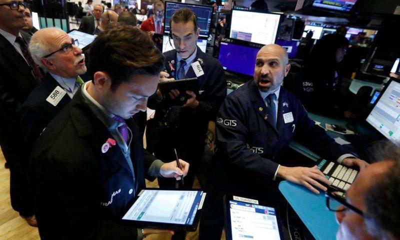 US Stocks Stumble Amid Trade Tensions, Weak Economic Data