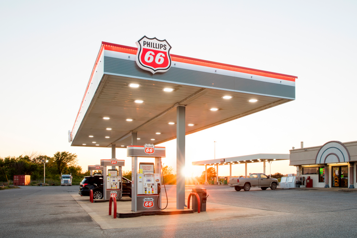 Equities Analysts Lift Earnings Estimates for Phillips 66 (NYSE:PSX)