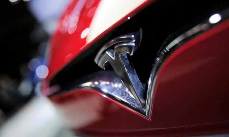 US Agency Examining Tesla Unintended Acceleration Complaint