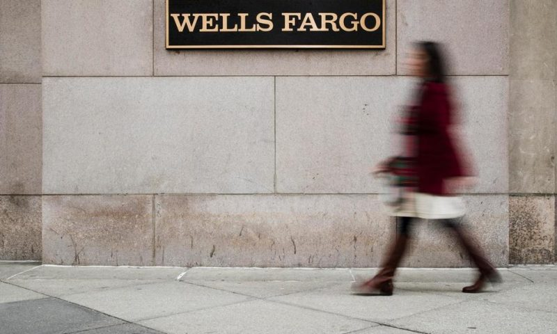 Wells Fargo 4Q Profit Slides, Hurt by Lower Interest Rates