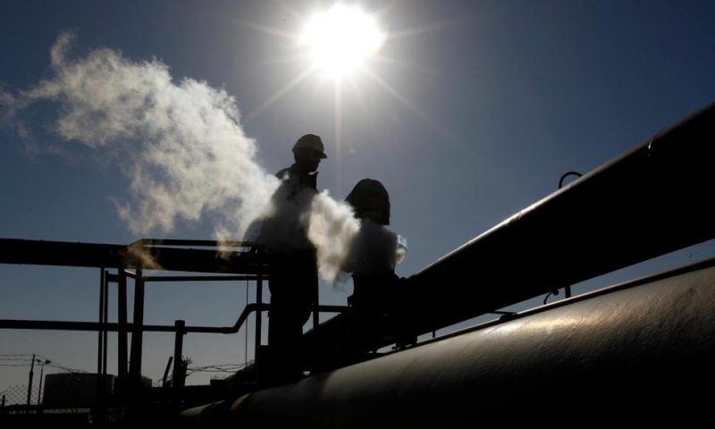 Libyan Oil Fields Remain Shut, Testing Peace Summit