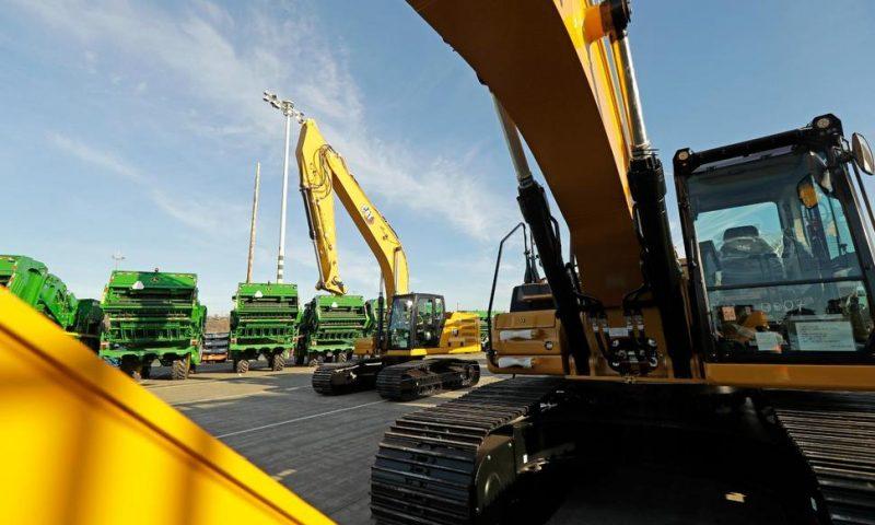 Caterpillar 4Q Profit Rises Despite Sales Decline