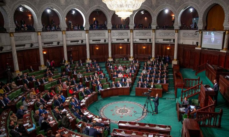 Tunisia Approves Government After Months of Deadlock