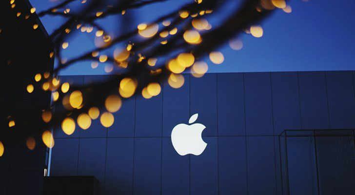 Equities Analysts Lower Earnings Estimates for Apple Inc. (NASDAQ:AAPL)