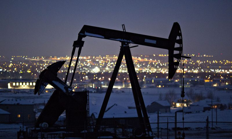 Oil settles with a gain as Fed stimulus aims to offset COVID-19 pandemic-related economic woes