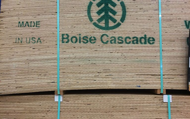 Boise Cascade Company (NYSE:BCC), Sealed Air Corporation (NYSE:SEE)