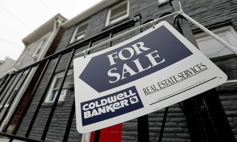 US Long-Term Mortgage Rates Ease; 30-Year at 3.24%