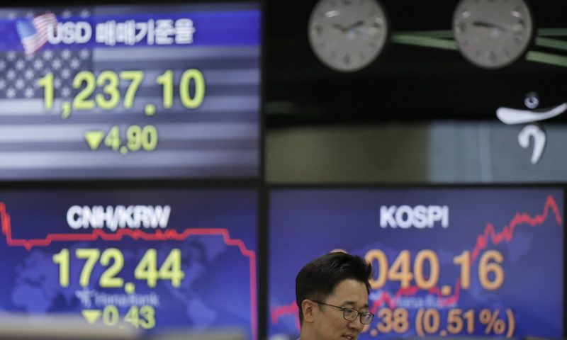 Wall Street Closes Higher on Economic Revival Hopes