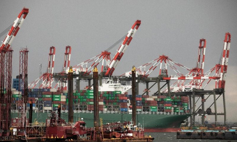 US Trade Deficit Drops in June on Record Rise in Exports
