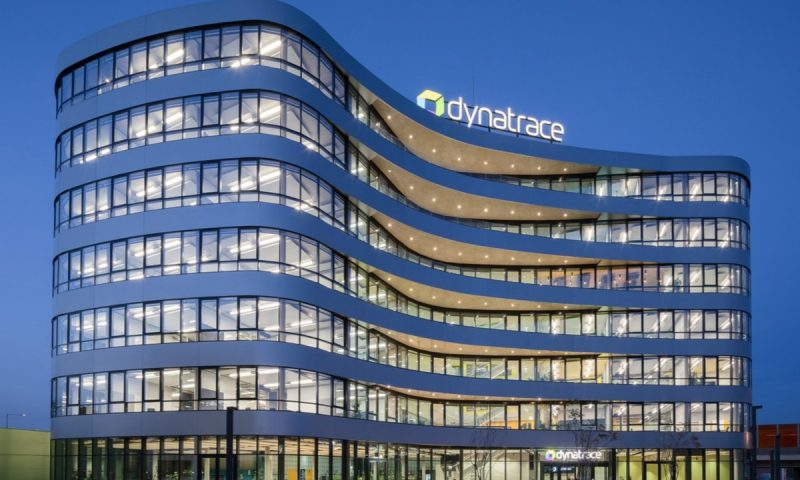Dynatrace Inc. (DT) and General Mills Inc. (GIS)