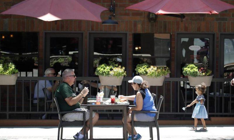 Fed Up: California Restaurants Seek Booze, Health Fee Refund